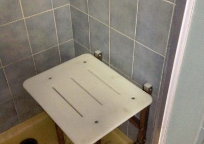 Wall_mounted_shower_seat_002