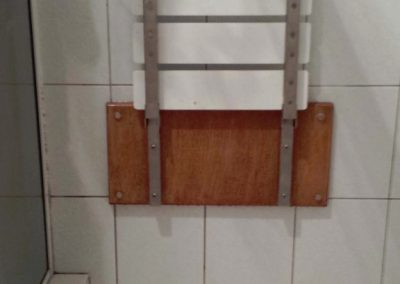 Wall_mounted_shower_seat_003